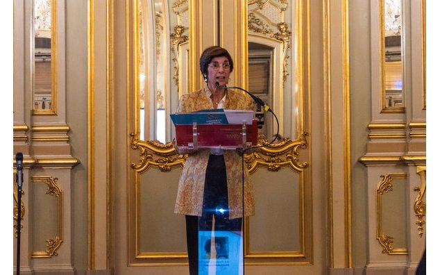 Remise du prix Lifetime Achievement par l'Ambassadrice Florence Mangin - Women in Tech Global Awards